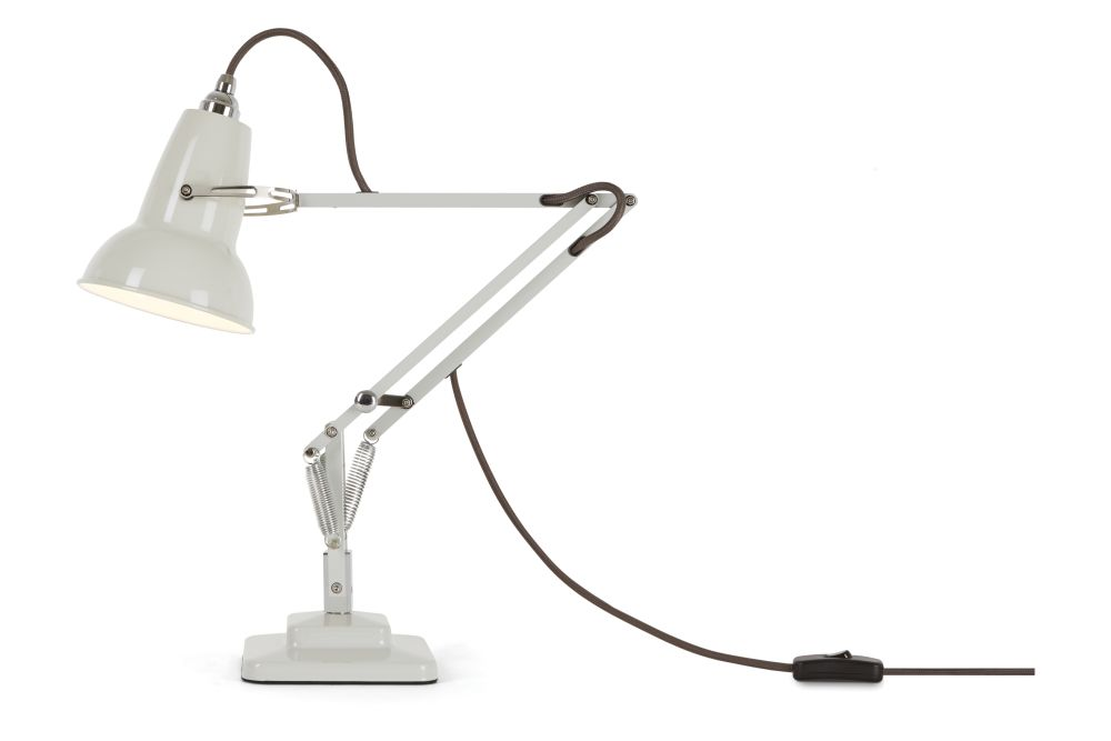 https://res.cloudinary.com/clippings/image/upload/t_big/dpr_auto,f_auto,w_auto/v1542605613/products/original-1227-mini-desk-lamp-anglepoise-george-carwardine-clippings-11118017.jpg