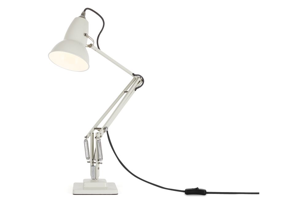 https://res.cloudinary.com/clippings/image/upload/t_big/dpr_auto,f_auto,w_auto/v1542608027/products/original-1227-desk-lamp-anglepoise-george-carwardine-clippings-11110620.jpg