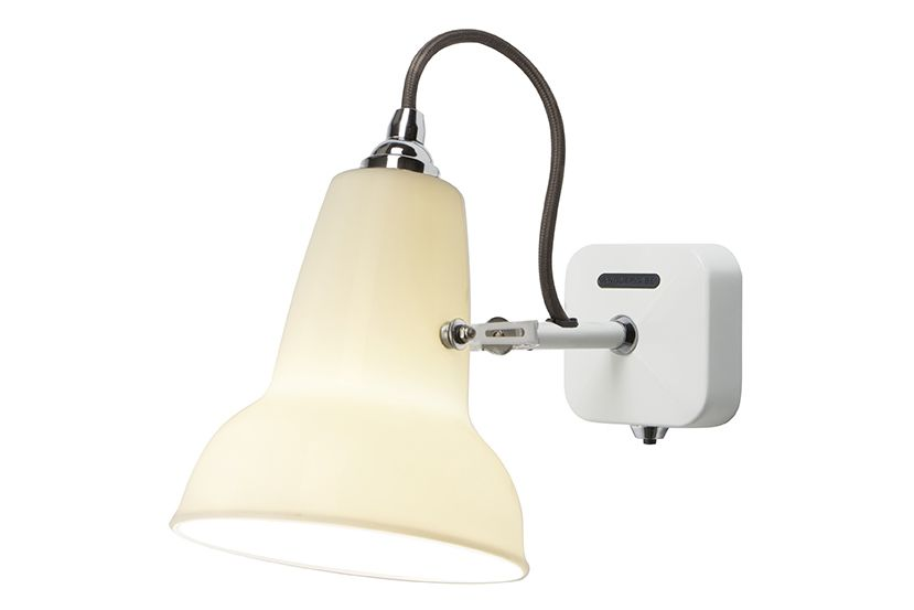 https://res.cloudinary.com/clippings/image/upload/t_big/dpr_auto,f_auto,w_auto/v1542611293/products/original-1227-mini-ceramic-wall-light-pure-white-anglepoise-george-carwardine-clippings-11112903.jpg