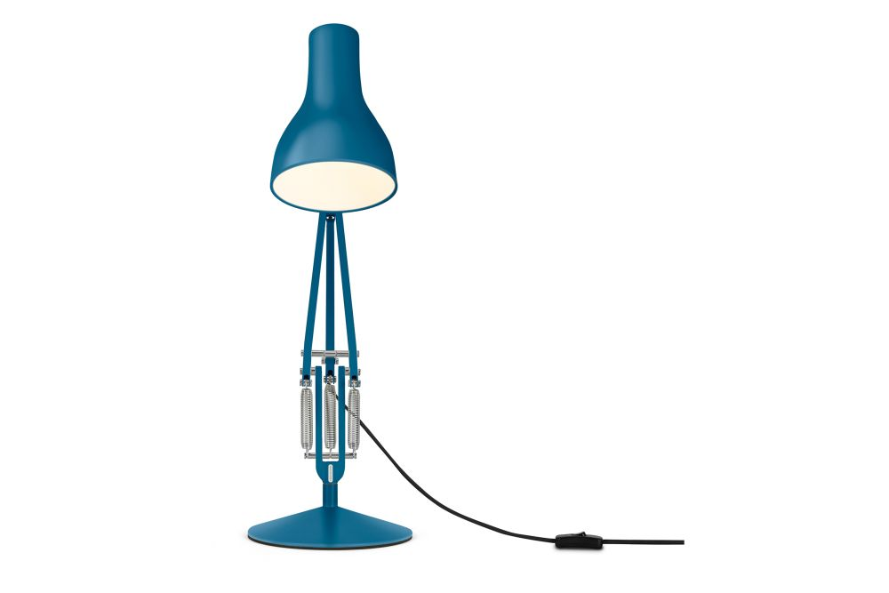 https://res.cloudinary.com/clippings/image/upload/t_big/dpr_auto,f_auto,w_auto/v1542611598/products/type-75-desk-lamp-margaret-howell-edition-anglepoise-kenneth-grange-clippings-11118312.jpg