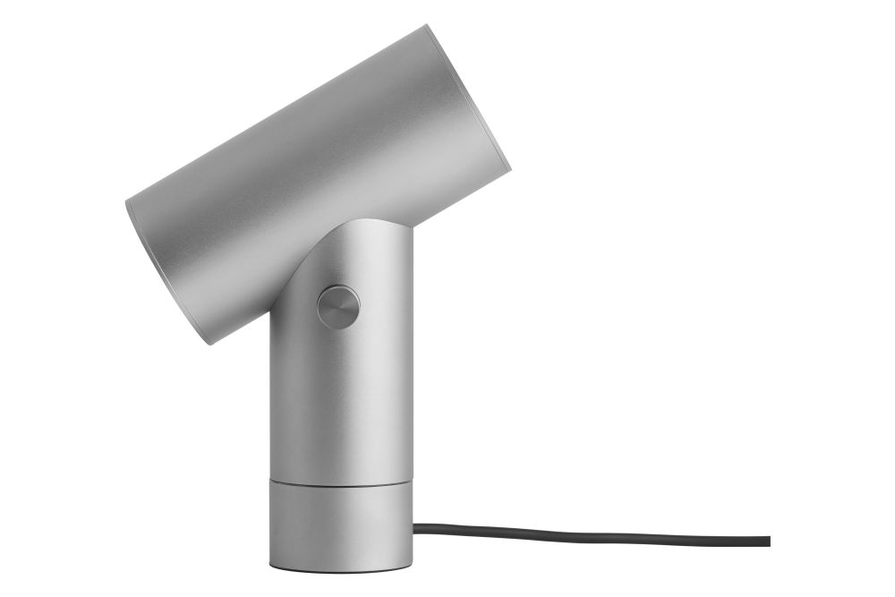 https://res.cloudinary.com/clippings/image/upload/t_big/dpr_auto,f_auto,w_auto/v1542984664/products/beam-table-lamp-muuto-tom-chung-clippings-11121988.jpg