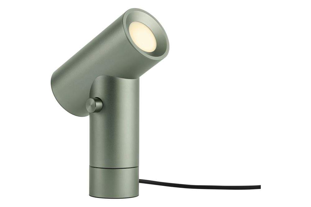 https://res.cloudinary.com/clippings/image/upload/t_big/dpr_auto,f_auto,w_auto/v1542984730/products/beam-table-lamp-muuto-tom-chung-clippings-11121994.jpg