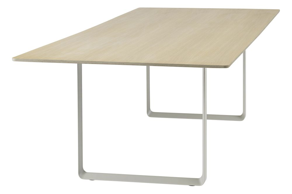https://res.cloudinary.com/clippings/image/upload/t_big/dpr_auto,f_auto,w_auto/v1543244959/products/7070-dining-table-295-x-108-cm-muuto-taf-studio-clippings-11122461.jpg