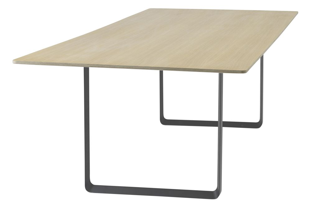 https://res.cloudinary.com/clippings/image/upload/t_big/dpr_auto,f_auto,w_auto/v1543244974/products/7070-dining-table-295-x-108-cm-muuto-taf-studio-clippings-11122467.jpg