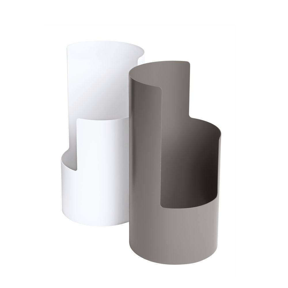 https://res.cloudinary.com/clippings/image/upload/t_big/dpr_auto,f_auto,w_auto/v1543403477/products/0550-umbrella-stand-sch%C3%B6nbuch-design-methods-clippings-11123518.jpg