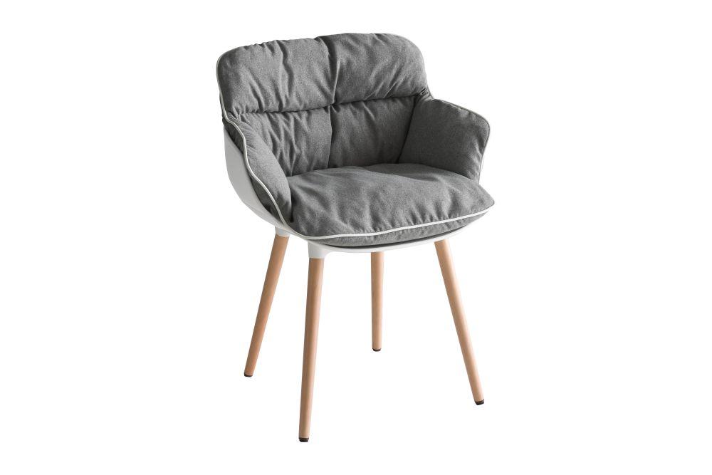 https://res.cloudinary.com/clippings/image/upload/t_big/dpr_auto,f_auto,w_auto/v1543483544/products/choppy-bl-armchair-set-of-4-gaber-favaretto-partners-clippings-11123745.jpg