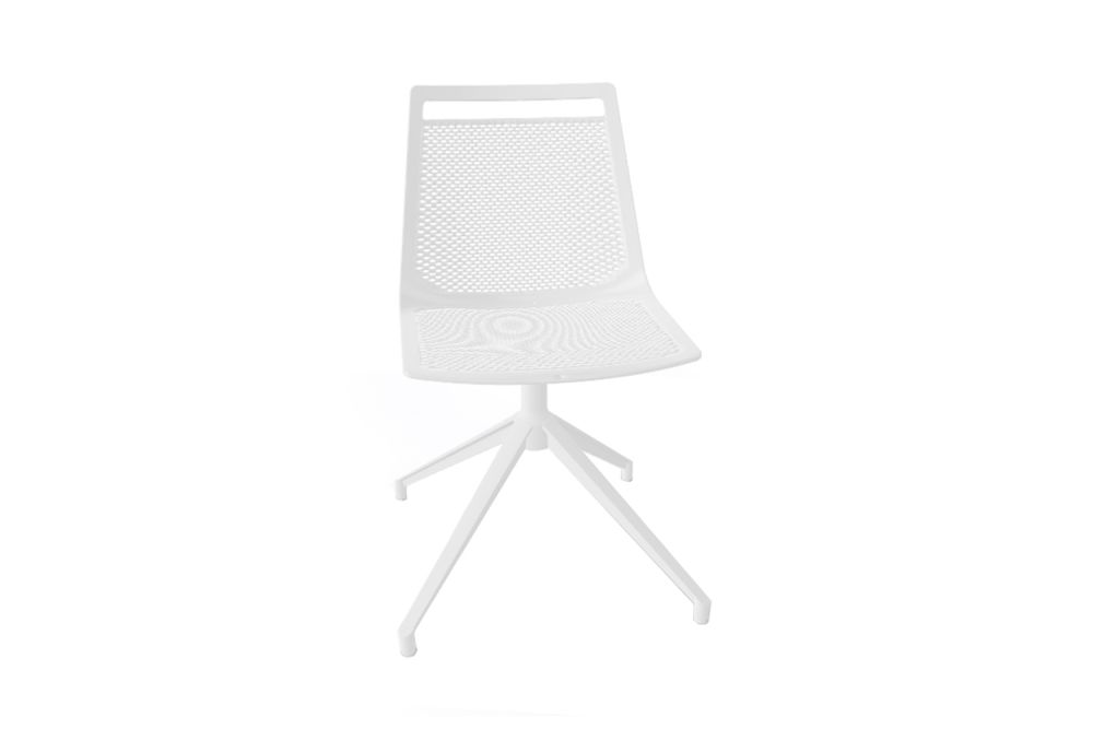 https://res.cloudinary.com/clippings/image/upload/t_big/dpr_auto,f_auto,w_auto/v1543553871/products/akami-u-swivel-chair-set-of-3-gaber-stefano-sandon%C3%A0-clippings-11124349.jpg