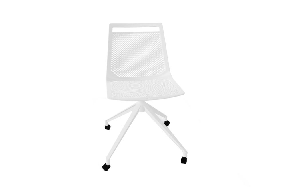 https://res.cloudinary.com/clippings/image/upload/t_big/dpr_auto,f_auto,w_auto/v1543554333/products/akami-ur-swivel-chair-with-castor-set-of-3-gaber-stefano-sandon%C3%A0-clippings-11124353.jpg