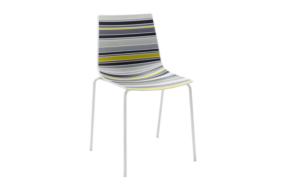 https://res.cloudinary.com/clippings/image/upload/t_big/dpr_auto,f_auto,w_auto/v1544082829/products/colorfive-na-chair-set-of-4-gaber-stefano-sandon%C3%A0-clippings-11126228.jpg