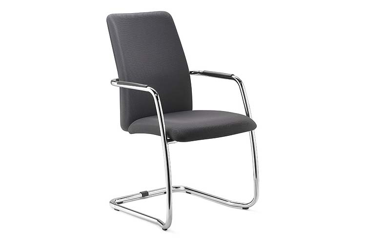 https://res.cloudinary.com/clippings/image/upload/t_big/dpr_auto,f_auto,w_auto/v1545034215/products/social-high-back-armchair-cantilever-base-diemme-clippings-11129670.jpg