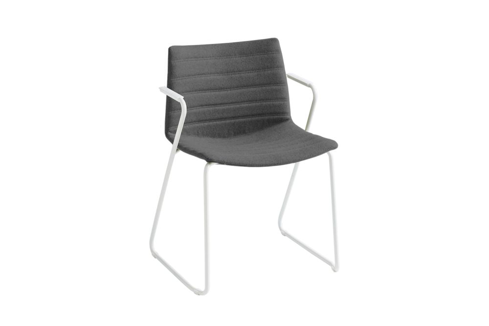 https://res.cloudinary.com/clippings/image/upload/t_big/dpr_auto,f_auto,w_auto/v1545382848/products/kanvas-2-sts-full-upholstered-dining-chair-with-arms-set-of-4-00-white-simil-leather-aurea-1-chromed-metal-gaber-stefano-sandon%C3%A0-clippings-11130885.jpg