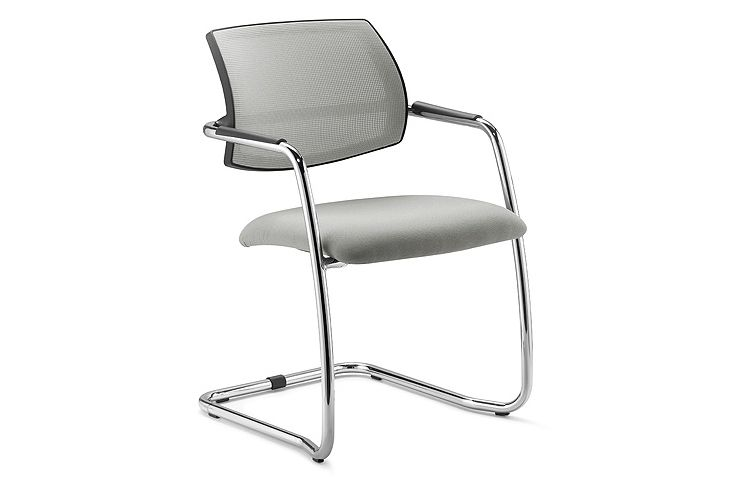 https://res.cloudinary.com/clippings/image/upload/t_big/dpr_auto,f_auto,w_auto/v1546494280/products/social-low-back-armchair-cantilever-base-diemme-clippings-11131905.jpg