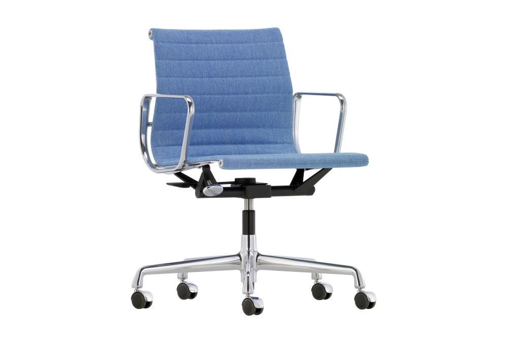 Hopsak 83 blue/ivory, 03 Aluminium Polished, 02 castors hard - braked for carpet,Vitra,Task Chairs,armrest,chair,furniture,line,material property,office chair
