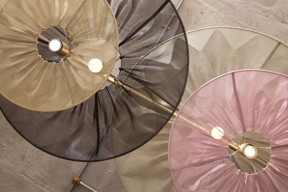 Daylight on mesh lamps