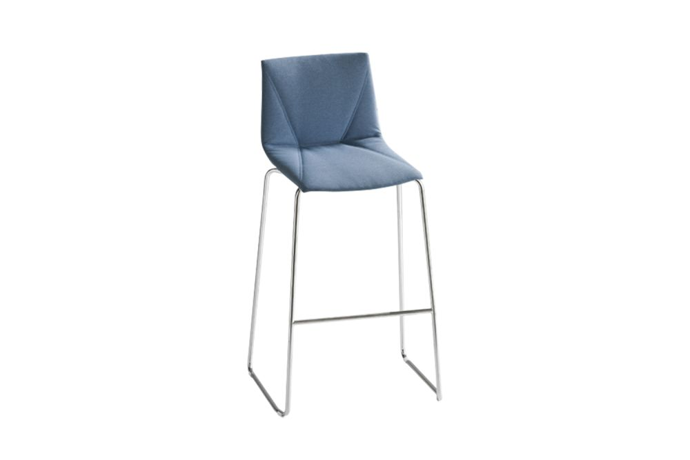 https://res.cloudinary.com/clippings/image/upload/t_big/dpr_auto,f_auto,w_auto/v1547450862/products/colorfive-st-76-upholstered-bar-stool-set-of-4-king-fabric-8032-black-painted-metal-gaber-stefano-sandon%C3%A0-clippings-11133406.jpg