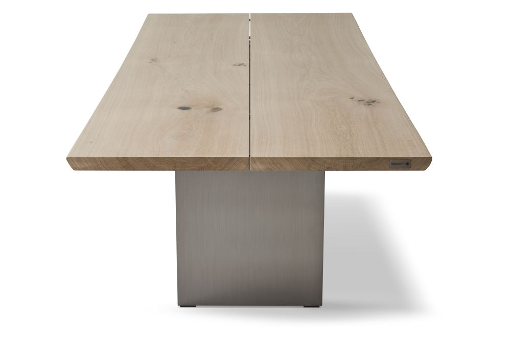 https://res.cloudinary.com/clippings/image/upload/t_big/dpr_auto,f_auto,w_auto/v1547796060/products/tree-dining-table-dk3-jacob-plejdrup-clippings-11135638.jpg