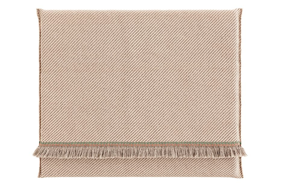 https://res.cloudinary.com/clippings/image/upload/t_big/dpr_auto,f_auto,w_auto/v1548686862/products/garden-layers-rug-gan-patricia-urquiola-clippings-11138926.jpg