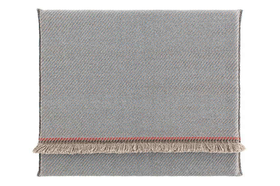 https://res.cloudinary.com/clippings/image/upload/t_big/dpr_auto,f_auto,w_auto/v1548687301/products/garden-layers-rug-gan-patricia-urquiola-clippings-11138938.jpg