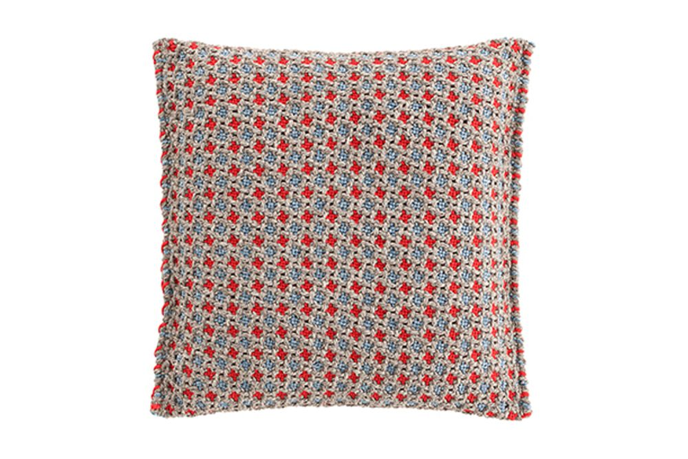 https://res.cloudinary.com/clippings/image/upload/t_big/dpr_auto,f_auto,w_auto/v1548761323/products/garden-layers-small-cushion-gan-patricia-urquiola-clippings-11139324.jpg