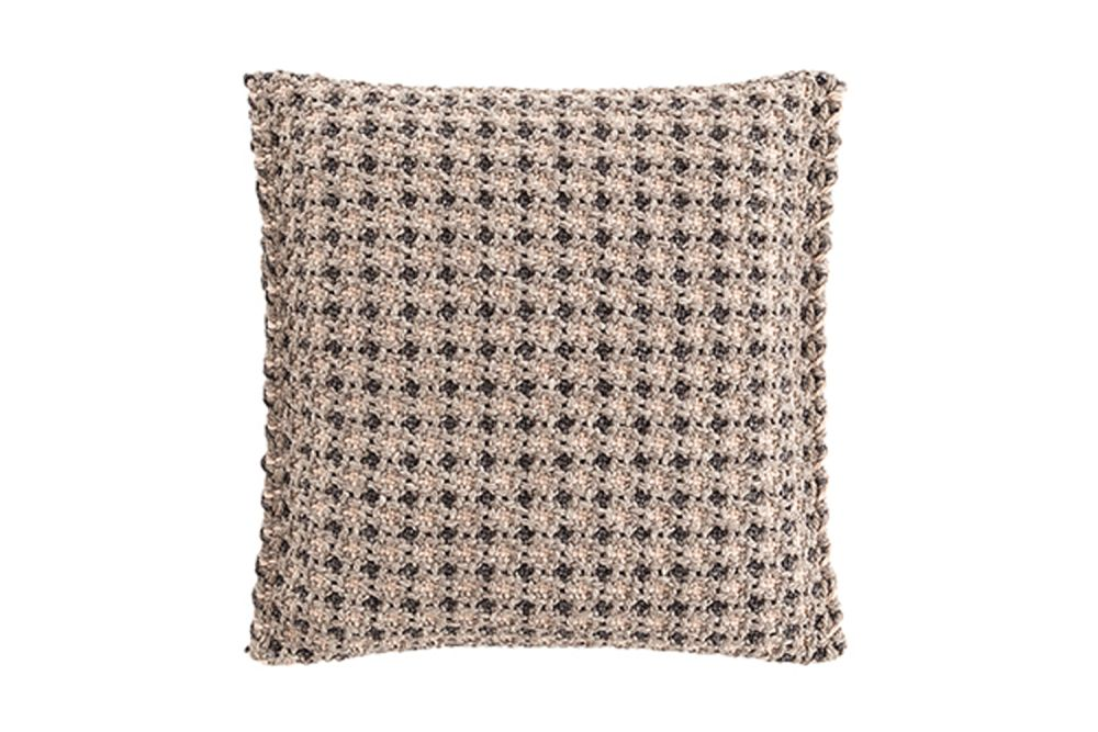https://res.cloudinary.com/clippings/image/upload/t_big/dpr_auto,f_auto,w_auto/v1548761353/products/garden-layers-small-cushion-gan-patricia-urquiola-clippings-11139328.jpg