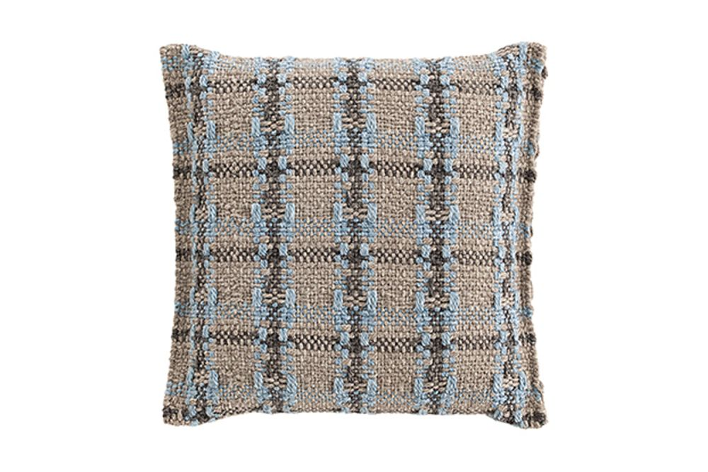 https://res.cloudinary.com/clippings/image/upload/t_big/dpr_auto,f_auto,w_auto/v1548761724/products/garden-layers-small-cushion-gan-patricia-urquiola-clippings-11139329.jpg