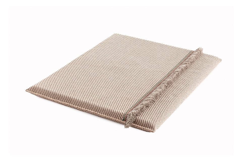 https://res.cloudinary.com/clippings/image/upload/t_big/dpr_auto,f_auto,w_auto/v1548764678/products/garden-layers-big-mattress-gan-patricia-urquiola-clippings-11139420.jpg