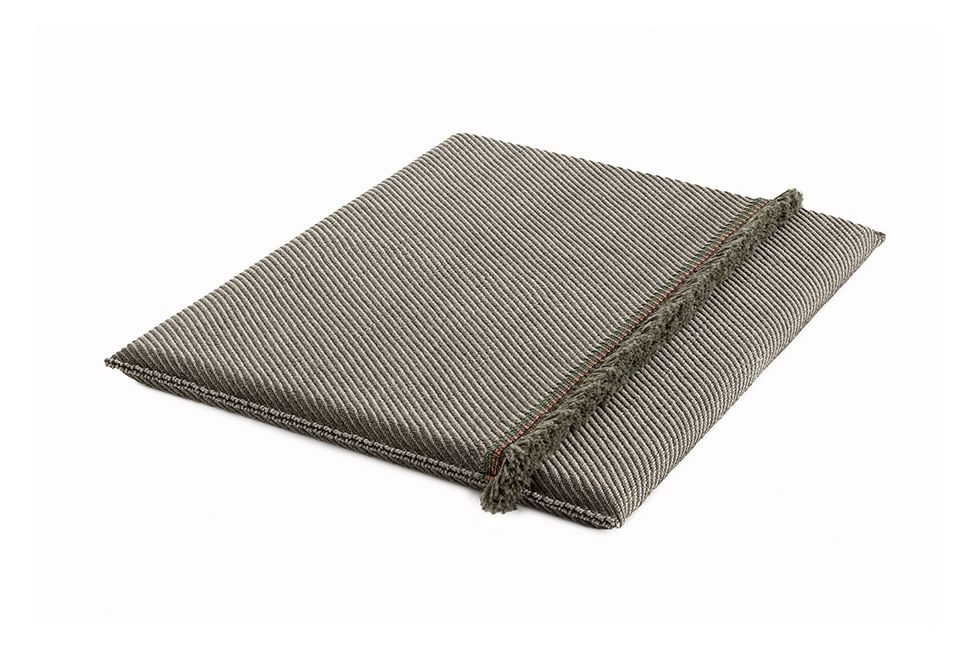 https://res.cloudinary.com/clippings/image/upload/t_big/dpr_auto,f_auto,w_auto/v1548764700/products/garden-layers-big-mattress-gan-patricia-urquiola-clippings-11139426.jpg