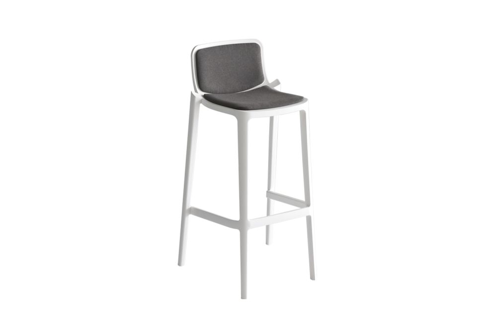 https://res.cloudinary.com/clippings/image/upload/t_big/dpr_auto,f_auto,w_auto/v1548929436/products/isidoro-76-upholstered-bar-stool-set-of-4-00-white-00-white-simil-leather-aurea-1-gaber-favaretto-partners-clippings-11134656.jpg