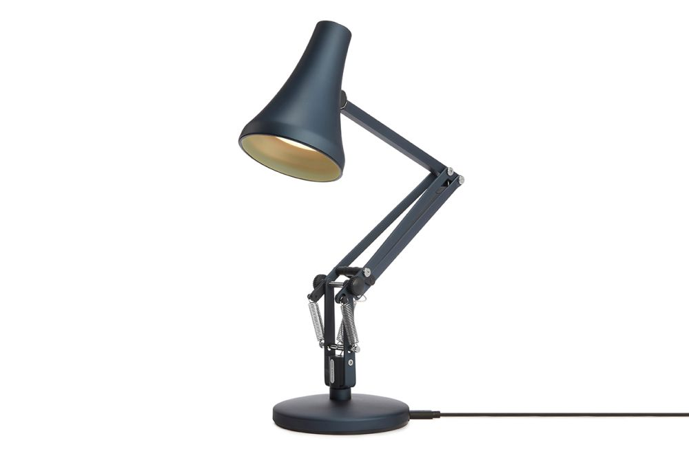 https://res.cloudinary.com/clippings/image/upload/t_big/dpr_auto,f_auto,w_auto/v1549011674/products/90-mini-mini-desk-lamp-anglepoise-anglepoise-clippings-11140398.jpg