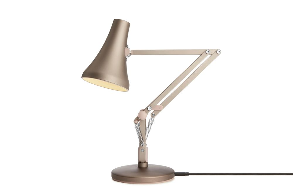 https://res.cloudinary.com/clippings/image/upload/t_big/dpr_auto,f_auto,w_auto/v1549011675/products/90-mini-mini-desk-lamp-anglepoise-anglepoise-clippings-11140380.jpg