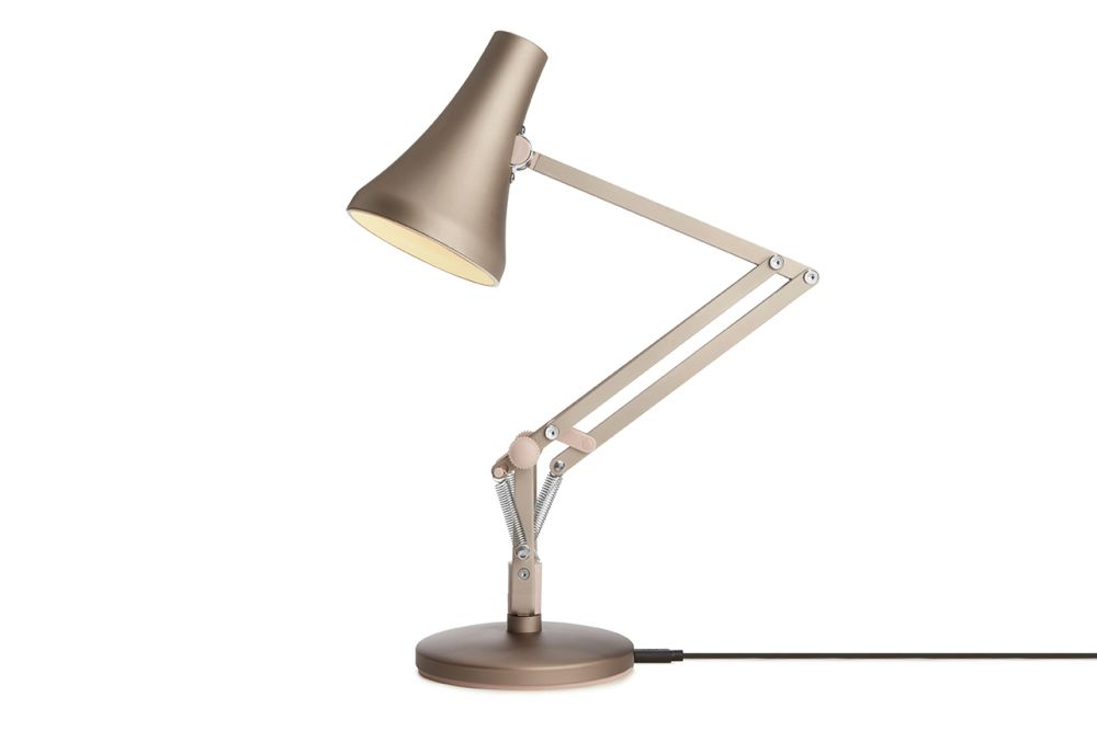 https://res.cloudinary.com/clippings/image/upload/t_big/dpr_auto,f_auto,w_auto/v1549011675/products/90-mini-mini-desk-lamp-anglepoise-anglepoise-clippings-11140385.jpg