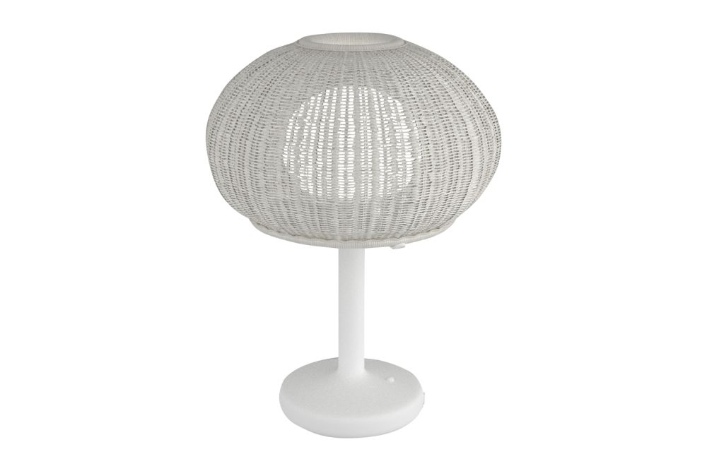 https://res.cloudinary.com/clippings/image/upload/t_big/dpr_auto,f_auto,w_auto/v1549450038/products/garota-m36-outdoor-table-lamp-bover-alex-fern%C3%A1ndez-camps-clippings-11141308.jpg