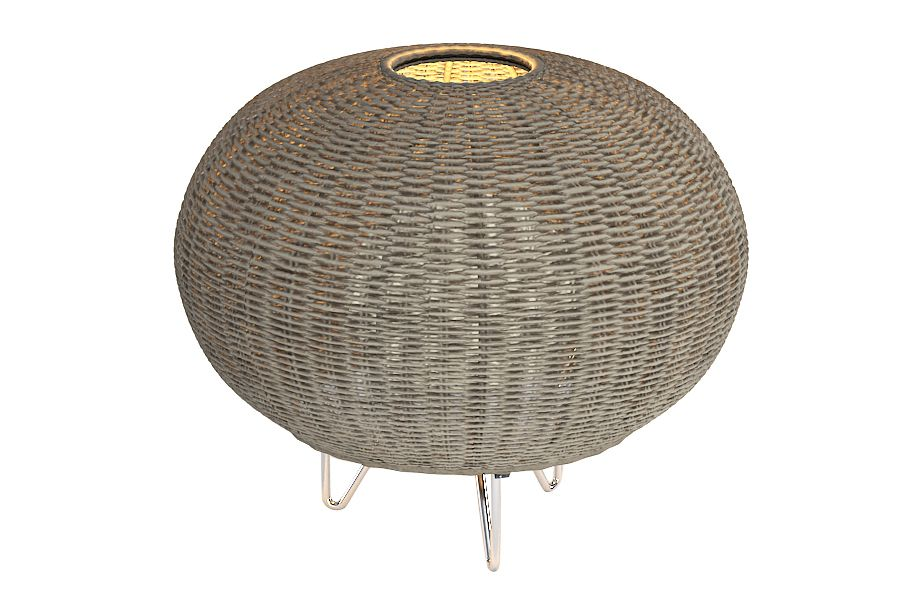 https://res.cloudinary.com/clippings/image/upload/t_big/dpr_auto,f_auto,w_auto/v1549451915/products/garota-p01-outdoor-floor-lamp-bover-alex-fern%C3%A1ndez-camps-gonzalo-mil%C3%A1-clippings-11141336.jpg
