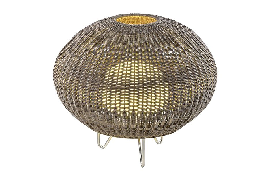 https://res.cloudinary.com/clippings/image/upload/t_big/dpr_auto,f_auto,w_auto/v1549451916/products/garota-p01-outdoor-floor-lamp-bover-alex-fern%C3%A1ndez-camps-gonzalo-mil%C3%A1-clippings-11141335.jpg
