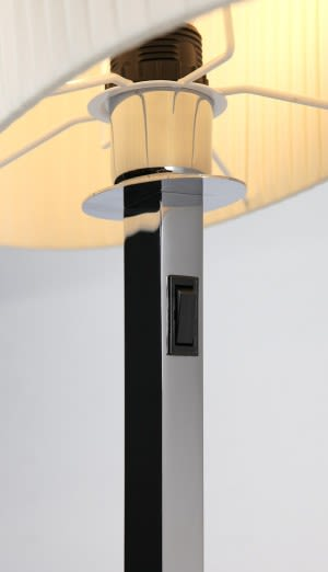 https://res.cloudinary.com/clippings/image/upload/t_big/dpr_auto,f_auto,w_auto/v1549516156/products/oval-m-table-lamp-bover-joana-bover-clippings-11141520.jpg