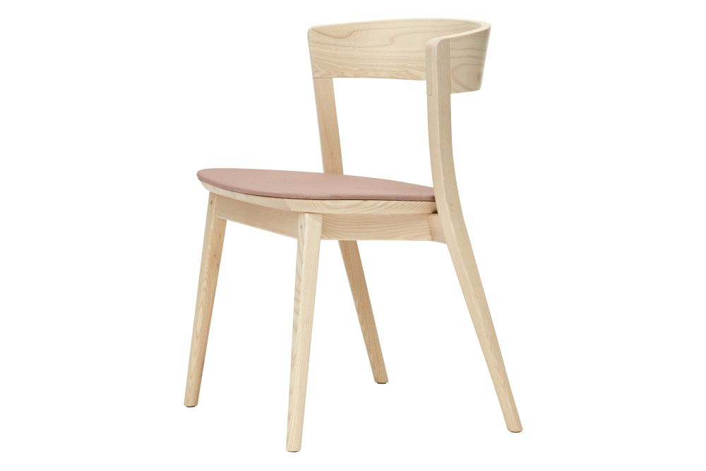 https://res.cloudinary.com/clippings/image/upload/t_big/dpr_auto,f_auto,w_auto/v1550213009/products/clarke-upholstered-bistro-chair-sp01-metrica-clippings-11145223.jpg