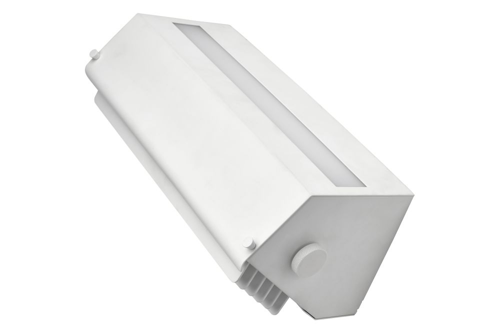 https://res.cloudinary.com/clippings/image/upload/t_big/dpr_auto,f_auto,w_auto/v1550216766/products/biny-box-3-wall-light-dcw-%C3%A9ditions-jacques-biny-clippings-11145342.jpg