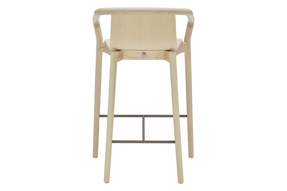 https://res.cloudinary.com/clippings/image/upload/t_big/dpr_auto,f_auto,w_auto/v1550218673/products/thomas-low-bar-stool-sp01-metrica-clippings-11145420.jpg