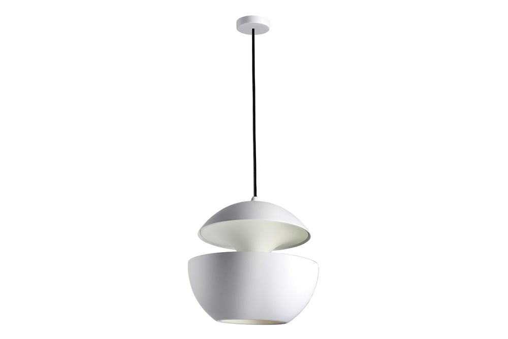 https://res.cloudinary.com/clippings/image/upload/t_big/dpr_auto,f_auto,w_auto/v1550221489/products/here-comes-the-sun-pendant-light-dcw-%C3%A9ditions-bertrand-balas-clippings-11145641.jpg