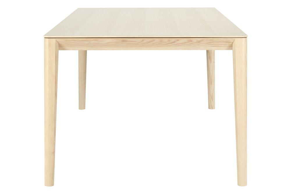 https://res.cloudinary.com/clippings/image/upload/t_big/dpr_auto,f_auto,w_auto/v1550668295/products/smith-rectangular-dining-table-sp01-metrica-clippings-11148317.jpg