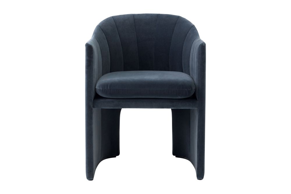 https://res.cloudinary.com/clippings/image/upload/t_big/dpr_auto,f_auto,w_auto/v1550680677/products/loafer-sc24-lounge-chair-tradition-space-copenhagen-clippings-11148515.jpg