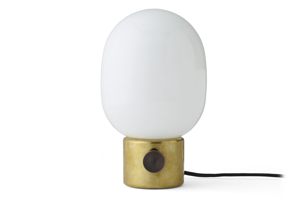 https://res.cloudinary.com/clippings/image/upload/t_big/dpr_auto,f_auto,w_auto/v1550831637/products/jwda-table-lamp-menu-jonas-wagell-clippings-11150210.jpg