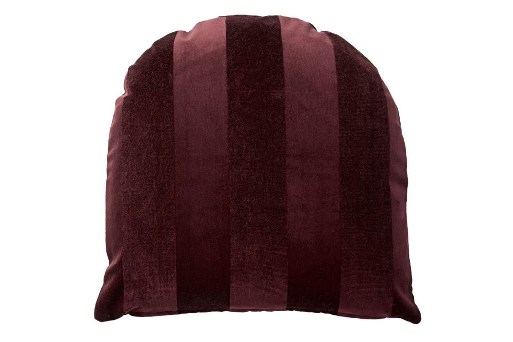 https://res.cloudinary.com/clippings/image/upload/t_big/dpr_auto,f_auto,w_auto/v1552025128/products/arcus-cushion-50x50cm-set-of-3-bordeaux-aytm-clippings-11150613.jpg