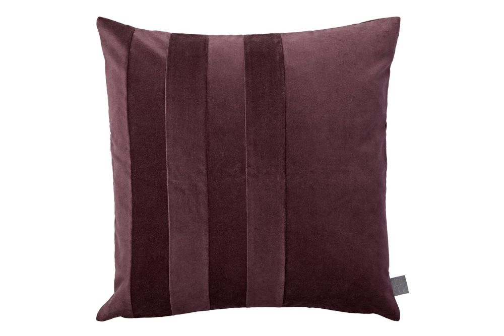 https://res.cloudinary.com/clippings/image/upload/t_big/dpr_auto,f_auto,w_auto/v1552032949/products/sanati-cushion-set-of-2-bordeaux-aytm-clippings-11152955.jpg