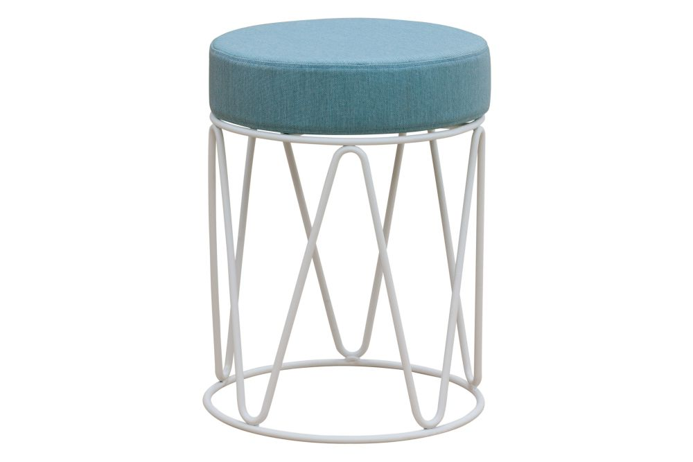 https://res.cloudinary.com/clippings/image/upload/t_big/dpr_auto,f_auto,w_auto/v1552544701/products/lagarto-mini-stool-ral-9016-ibiza-white-panama-3657-onyx-isimar-ilmiodesign-clippings-11160679.jpg