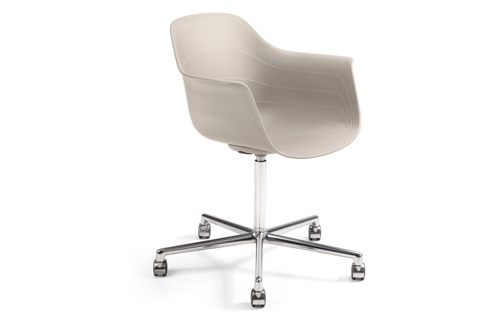 https://res.cloudinary.com/clippings/image/upload/t_big/dpr_auto,f_auto,w_auto/v1552552860/products/grade-plus-armchair-5-star-swivel-base-on-castors-lammhults-johannes-foersom-peter-hiort-lorenzen-clippings-11160946.jpg