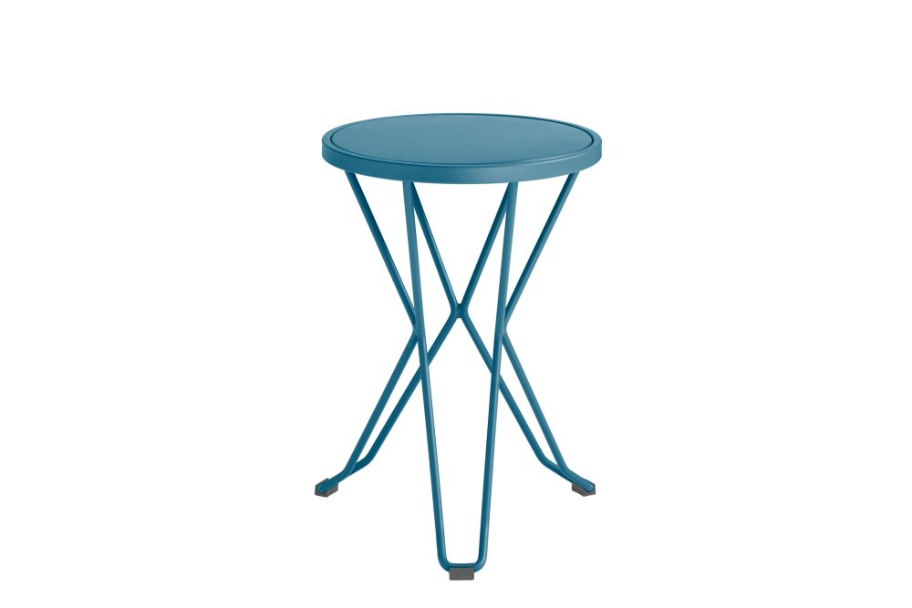 https://res.cloudinary.com/clippings/image/upload/t_big/dpr_auto,f_auto,w_auto/v1552563624/products/madrid-mini-stool-isimar-clippings-11161364.jpg