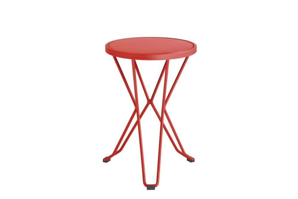 https://res.cloudinary.com/clippings/image/upload/t_big/dpr_auto,f_auto,w_auto/v1552563633/products/madrid-mini-stool-isimar-clippings-11161379.jpg