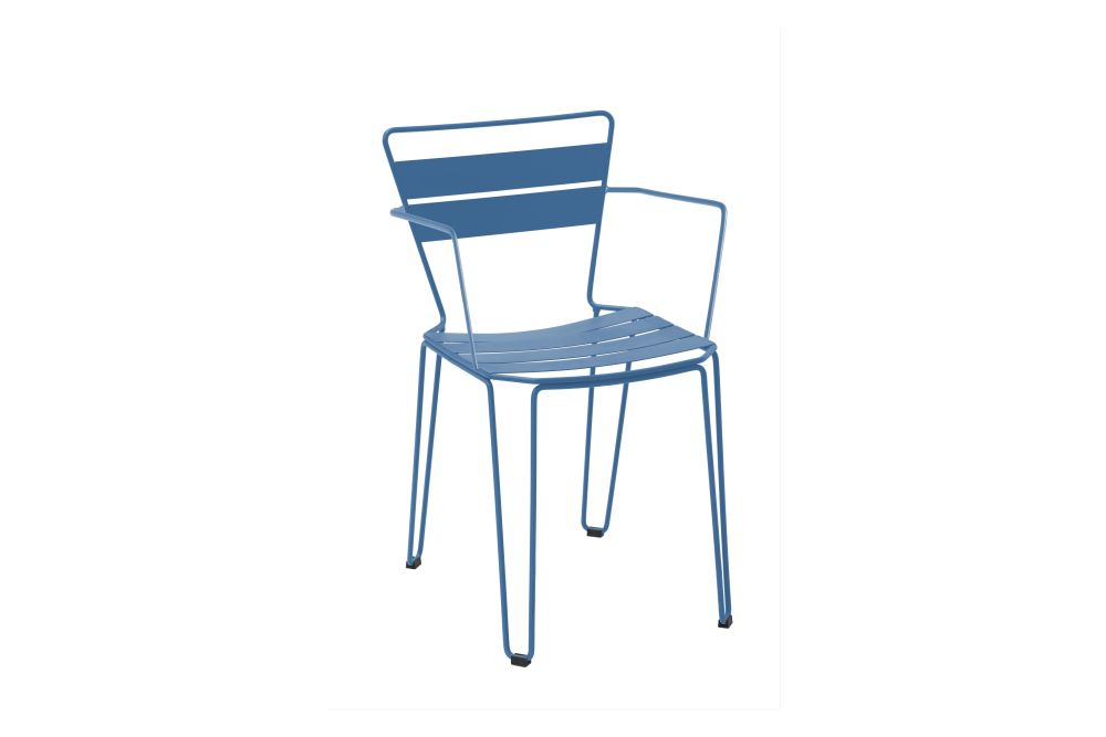 https://res.cloudinary.com/clippings/image/upload/t_big/dpr_auto,f_auto,w_auto/v1552629346/products/mallorca-dining-chair-with-arms-isimar-isimar-clippings-11161894.jpg