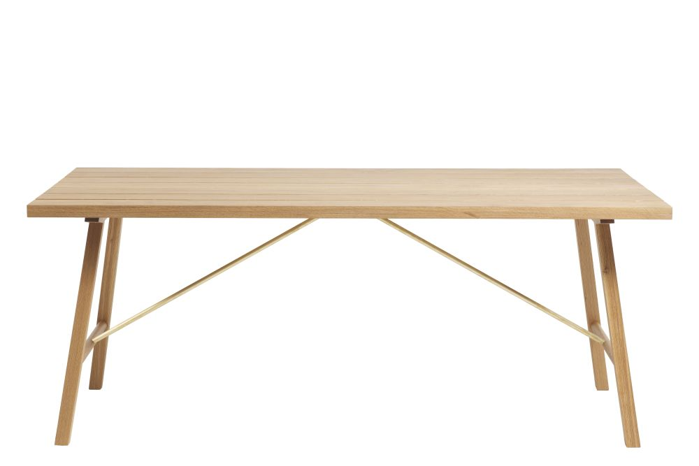 https://res.cloudinary.com/clippings/image/upload/t_big/dpr_auto,f_auto,w_auto/v1553076863/products/outdoor-table-two-oak-another-country-clippings-11156356.jpg
